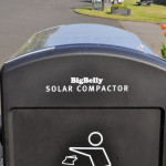 Wireless Solar compactor trash bin – keep your street clean with less effort